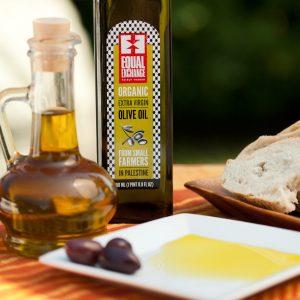 olive-oil_2011_Gary-Goodman-4168-1400x2100-f7e0893d-1e6f-4aa3-ae2a-7716eabfca57